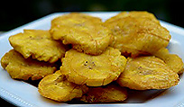 Fried plantains (tostones).
